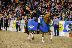 KOSCHEL Christoph (GER), Ballentines 10<br /> Oldenburg - AGRAVIS Cup 2019<br /> Siegerehrung<br /> MEGGLE Preis<br /> CDI4* - Int. Dressurprüfung <br /> Grand Prix Kür<br /> 03. November 2019<br /> © www.sportfotos-lafrentz.de/Stefan Lafrentz