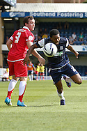 Picture by David Horn/Focus Images Ltd +44 7545 970036.18/08/2012.Gavin Tomlin of Southend United passes Michael Liddle of Accrington Stanley during the npower League 2 match at Roots Hall, Southend.