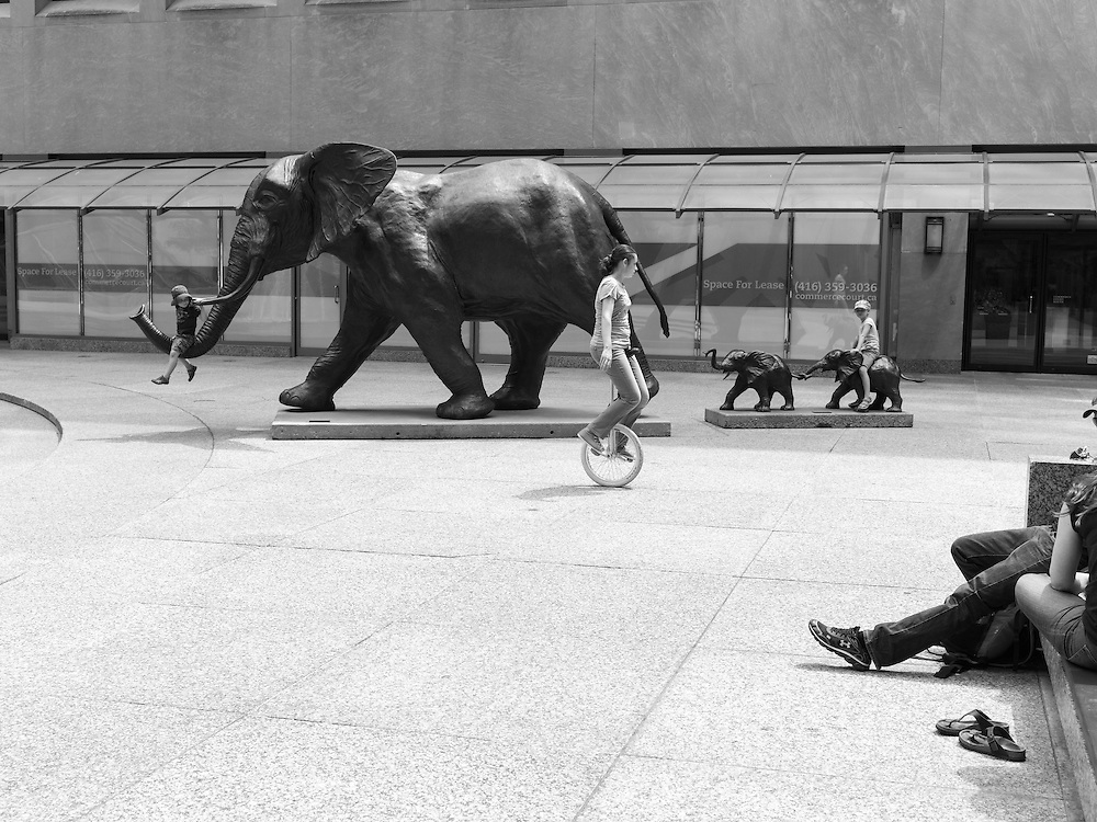 http://Duncan.co/children-playing-on-elephant-sculpture