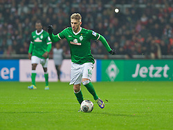 07.12.2013, Weserstadion, Bremen, GER, 1. FBL, SV Werder Bremen vs FC Bayern Muenchen, 15. Runde, im Bild Aaron Hunt (Bremen #14) am Ball // Aaron Hunt (Bremen #14) am Ball during the German Bundesliga 15th round match between SV Werder Bremen and FC Bayern Munich at the Weserstadion in Bremen, Germany on 2013/12/07. EXPA Pictures &copy; 2013, PhotoCredit: EXPA/ Andreas Gumz<br /> <br /> *****ATTENTION - OUT of GER*****