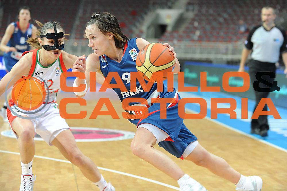 DESCRIZIONE : Riga Latvia Lettonia Eurobasket Women 2009 Semifinal Bielorussia Francia Belarus France<br /> GIOCATORE : Celine Dumerc<br /> SQUADRA : Francia France<br /> EVENTO : Eurobasket Women 2009 Campionati Europei Donne 2009 <br /> GARA : Bielorussia Francia Belarus France<br /> DATA : 19/06/2009 <br /> CATEGORIA : palleggio<br /> SPORT : Pallacanestro <br /> AUTORE : Agenzia Ciamillo-Castoria/M.Marchi<br /> Galleria : Eurobasket Women 2009 <br /> Fotonotizia : Riga Latvia Lettonia Eurobasket Women 2009 Semifinal Bielorussia Francia Belarus France<br /> Predefinita :