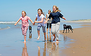 10-7-2015 - WASSENAAR - Queen Maxima and King Willem-Alexander and Princess Amalia and Princess Alexia and Princess Ariane with their dogs Skipper and pose for the annual photosession 2015 on the Beach in Nature Park  Meijendel  in Wassenaar near the hague . COPYRIGHT ROBIN UTRECHT<br />