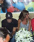 Leonardo DiCaprio & Gisele Bundchen 07/06/2004