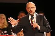 Mannheim. 19.09.17 | SPD-Kanzlerkandidat Martin Schulz im Capitol Mannheim.<br /> Im Wahlkampf zur Bundestagswahl unterstützt Kanzlerkandidat Martin Schulz Mannheims SPD Bundestagsabgeordneter Stefan Rebmann.<br /> <br /> <br /> BILD- ID 2368 |<br /> Bild: Markus Prosswitz 19SEP17 / masterpress (Bild ist honorarpflichtig - No Model Release!)
