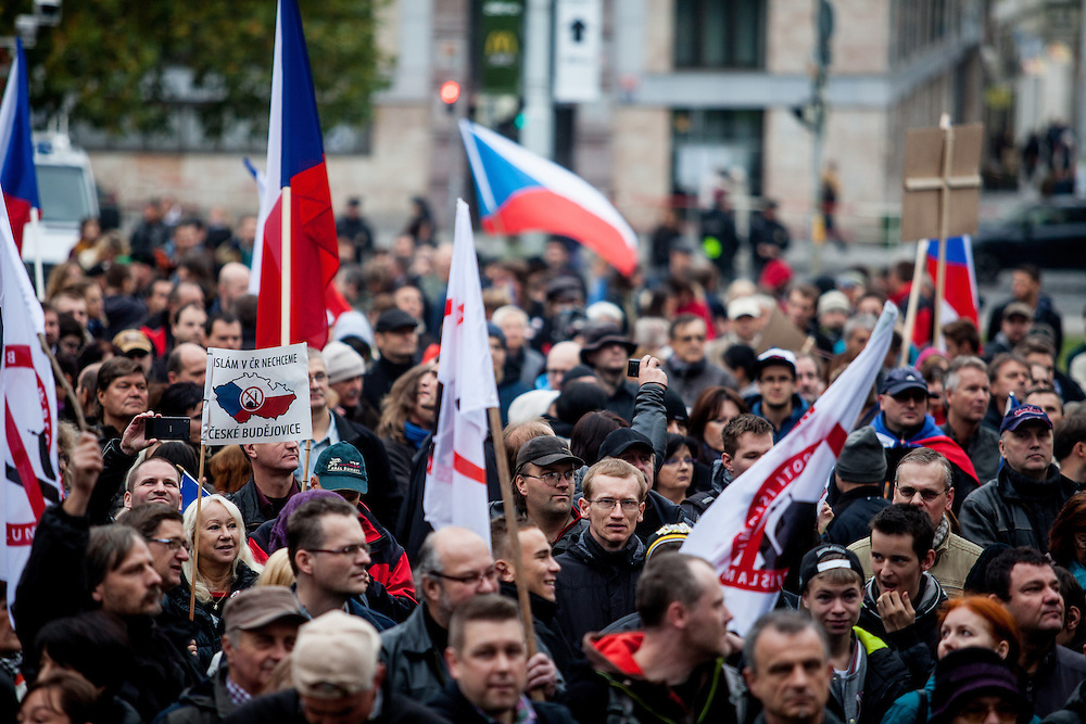 "A few hundred people gathered in Prague to protest the EU's migrant policies and against Islam in general, ""We do not want Islam in Czech Republic"" is the slogan. The rally was attended by members of Polish and German far right groups such as members of the Pegida movement from Dresden."