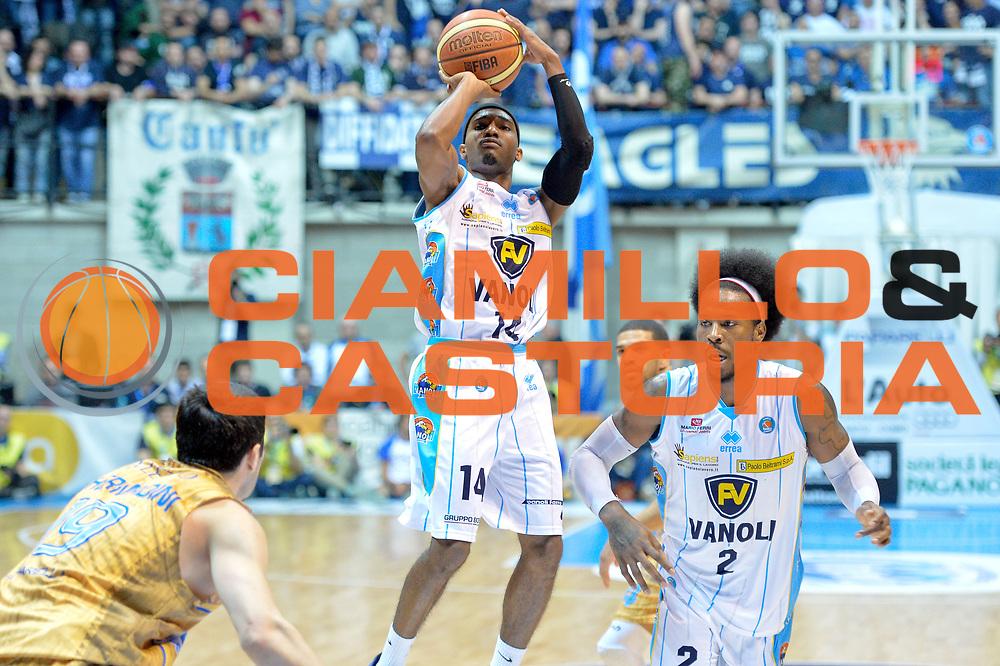 DESCRIZIONE : Desio Lega A 2014-15 <br /> Acqua Vitasnella Cant&ugrave; vs Vagoli Basket Cremona<br /> GIOCATORE : Ferguson Jazzmar<br /> CATEGORIA : Tiro<br /> SQUADRA : Vagoli Basket Cremona<br /> EVENTO : Campionato Lega A 2014-2015 GARA :Acqua Vitasnella Cant&ugrave; vs Vagoli Basket Cremona<br /> DATA : 20/04/2015 <br /> SPORT : Pallacanestro <br /> AUTORE : Agenzia Ciamillo-Castoria/IvanMancini<br /> Galleria : Lega Basket A 2014-2015 Fotonotizia : Desio Lega A 2014-15 Acqua Vitasnella Cant&ugrave; vs Vagoli Basket Cremona<br /> Predefinita: