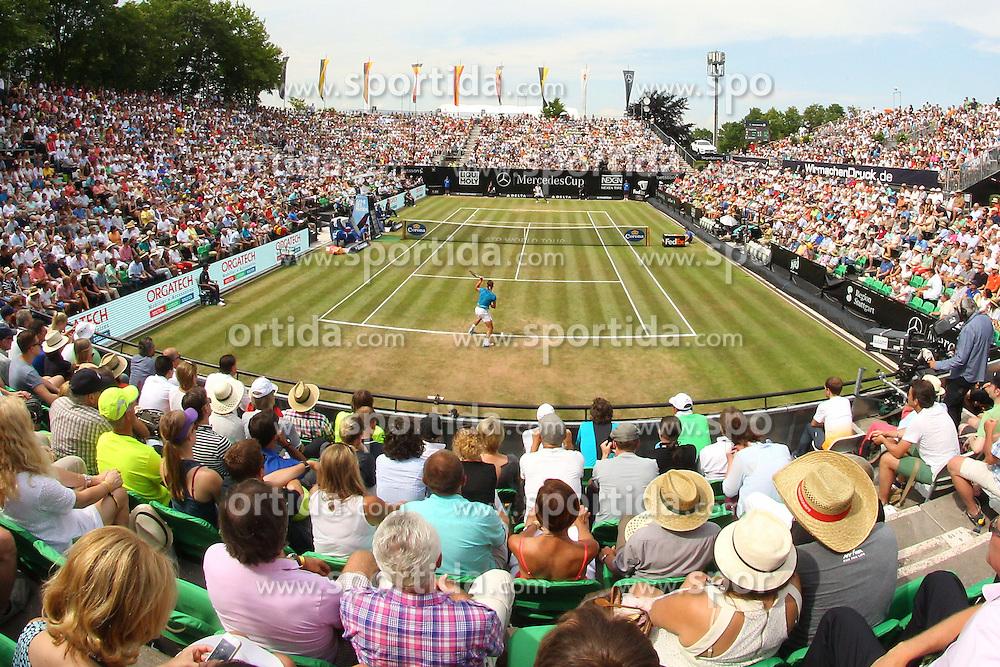 12.06.2015, Tennis Club Weissenhof, Stuttgart, GER, ATP Tour, Mercedes Cup Stuttgart, Viertelfinale, im Bild Uebersichstbild: volle Zuschauerraenge auf dem Center Court beim Rafael Nadal ( ESP ) Spiel // during quarter Finals of Mercedes Cup of ATP world Tour at the Tennis Club Weissenhof in Stuttgart, Germany on 2015/06/12. EXPA Pictures &copy; 2015, PhotoCredit: EXPA/ Eibner-Pressefoto/ Langer<br /> <br /> *****ATTENTION - OUT of GER*****