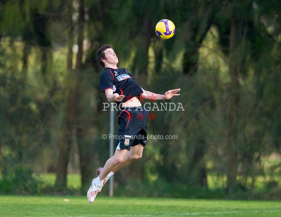 AYAMONTE, SPAIN - Monday, February 9, 2009: Wales' Gareth Bale training at the Vincci Seleccion Canela Golf ahead of the International Friendly match with Poland. (Mandatory credit: David Rawcliffe/Propaganda)
