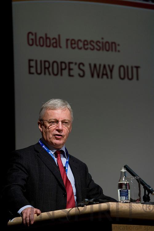 DUBLIN - IRELAND - 05 NOVEMBER 2009 -- Eurofound Forum - Global recession: Europe's way out. John Monks, General Secretary, European Trade Union Confederation.   PHOTO: ERIK LUNTANG /  INSPIRIT
