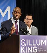 KISSIMMEE. ( FL EEUU).- 01-10-2018.   <br /> Democratic candidate Andrew Gillum (L) and Puerto Rican governor Ricardo Rossell&oacute; speak during a rally to support Andrew Gillum for Governor of Florida in Kissimmee Fl October 01 2018. (GERARDO MORA/ IPAPHOTO.COM for EFE)<br /> <br /> KISSIMMEE. ( FL EEUU).- 01-10-2018.  <br /> El candidato dem&oacute;crata Andrew Gillum (L) y el Gobernador de Puerto Rico Ricardo Rossello intervienen durante un evento de campa&ntilde;a en la ciudad de Kissimmee en Florida Estados Unidos hoy 01 de Octubre del 2018. El gobernador de Puerto Rico Ricardo Rossell&oacute; viaj&oacute; a la Florida para apoyar al candidato a la gobernaci&oacute;n de la Florida, el dem&oacute;crata Andrew Gillum. (GERARDO MORA/ IPAPHOTO.COM for EFE)