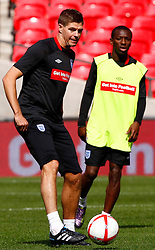 02.09.2010, Wembley Stadion, London, ENG, Training Nationalmannschaft England, im Bild Steven Gerrard of England, EXPA Pictures © 2010, PhotoCredit: EXPA/ IPS *** ATTENTION *** UK AND FRANCE OUT! / SPORTIDA PHOTO AGENCY