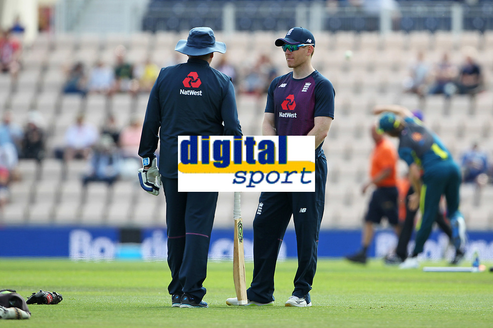 Cricket - 2019 ICC Cricket World Cup warm ups - England vs. Australia<br /> <br /> Englands Captain Eoin Morgan chats during the warm up sporting his strapped up broken finger at the Ageas Bowl Southampton England<br /> <br /> COLORSPORT/SHAUN BOGGUST