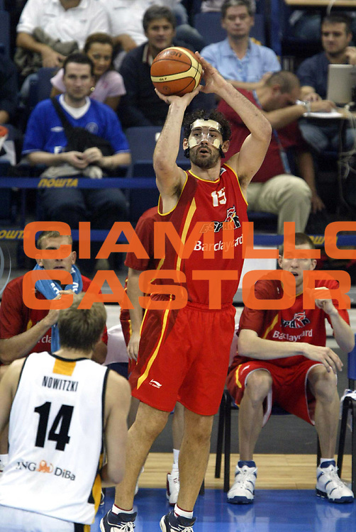 DESCRIZIONE : Belgrado Belgrade Eurobasket Men 2005 Germania Spagna<br /> GIOCATORE : Garbajosa<br /> SQUADRA : Spagna Spain<br /> EVENTO : Eurobasket Men 2005 Campionati Europei Uomini 2005<br /> GARA : Germania Spagna Germany Spain<br /> DATA : 24/09/2005<br /> CATEGORIA :<br /> SPORT : Pallacanestro<br /> AUTORE : Ciamillo&amp;Castoria/Fiba Europe Pool