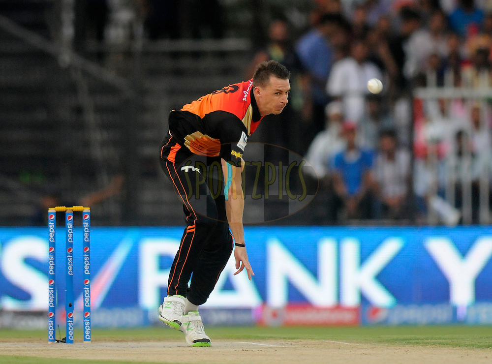 Dale Steyn of the Sunrisers Hyderabad bowls during match 9 of the Pepsi Indian Premier League 2014 between the The Kings XI Punjab and the Sunrisers Hyderabad held at the Sharjah Cricket Stadium, Sharjah, United Arab Emirates on the 22nd April 2014<br /> <br /> Photo by Pal Pillai / IPL / SPORTZPICS