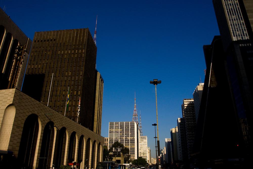 Sao Paulo_SP, Brasil...Predios na Avenida Paulista em Sao Paulo...The buldings in the Paulista avenue in Sao Paulo...Foto: MARCUS DESIMONI / NITRO