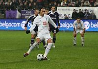 Photo: Maarten Straetemans/Sportsbeat Images.<br /> Anderlecht v Tottenham Hotspur. UEFA Cup. 06/12/2007.<br /> Dimitar Berbatov (Tottenham) scores the penalty (1-1)