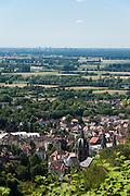 Blick auf die Altstadt von der Ruine Starkenburg, Heppenheim, Bergstraße, Hessen, Deutschland | Overlooking the historic center of the ruins Starkenburg, Heppenheim, Bergstraße, Hesse, Germany