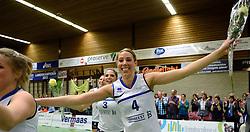 13-04-2013 VOLLEYBAL: SLIEDRECHT SPORT - SV DYNAMO APELDOORN: SLIEDRECHT<br /> Sliedrecht Sport pakt de eerste kans in eigen huis en is opnieuw Nederlands kampioen / Feest vreugde bij Sliedrecht Sport met oa. Rianne Lantinga<br /> &copy;2013-FotoHoogendoorn.nl