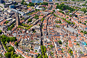Nederland, Utrecht, Amersfoort, 29-05-2019; overzicht van binnenstad Amersfoort met  Onze Lieve Vrouwentoren (bijnaam Lange Jan).<br /> Overview of city center Amersfoort with the city ring. Above the streets the Onze Lieve Vrouwe tower.<br /> luchtfoto (toeslag op standard tarieven);<br /> aerial photo (additional fee required);<br /> copyright foto/photo Siebe Swart