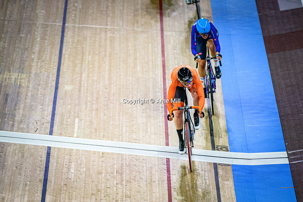 WILD Kirsten ( NED ) - Netherlands - CONFALONIERI Maria Giulia ( ITA ) – Team Italy – Querformat - quer - horizontal - Landscape - Event/Veranstaltung: UCI Track Cycling World Championships 2020 – Track Cycling - World Championships - Berlin - Category/Kategorie: Cycling - Track Cycling – World Championships - Elite Women - Location/Ort: Europe – Germany - Berlin - Velodrom Berlin - Discipline: Points Race - Distance: 25 km - Date/Datum: 01.03.2020 – Sunday – Day 5 - Photographer: © Arne Mill - frontalvision.com