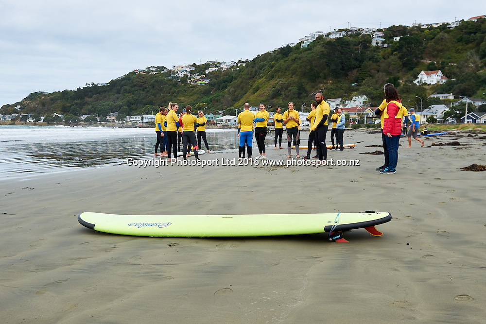 Volunteers gather before the Flight Centre Foundation Halberg Surf Day, Lyall Bay, Wellington, New Zealand. Saturday 12 March 2016. Copyright Photo: Mark Tantrum/www.Photosport.co.nz