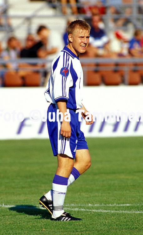 23.07.2001 Helsinki, Finland .UEFA Under-18 European Championship.Jussi Peteri (FIN)..©JUHA TAMMINEN