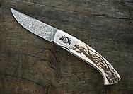30/10/16 - ORLEAT - PUY DE DOME - FRANCE - Coutellerie d Art par Manu Laplace, couteaux 1515 - Photo Jerome CHABANNE