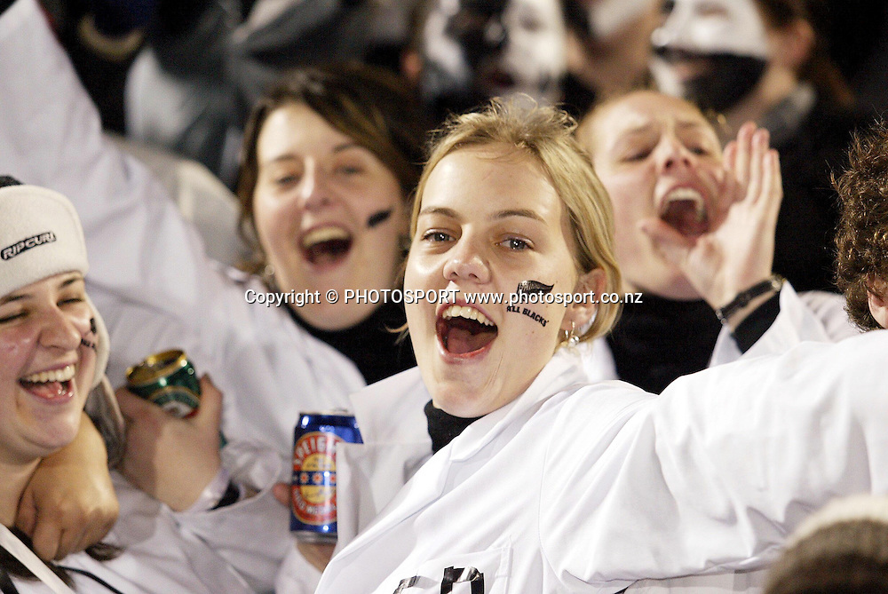 9 August 2003, International Rugby Union, Phillips Tri-Nations, New Zealand v South Africa, Carissbrook, Dunedin, New Zealand.<br />