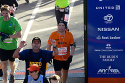 03-11-2013 ALGEMEEN: BVDGF NY MARATHON: NEW YORK <br /> De NY marathon werd weer een groot succes voor de BvdGf. Alle lopers hebben met prachtige tijden de finish gehaald / Martin finisht in 4:14:49<br /> ©2013-FotoHoogendoorn.nl