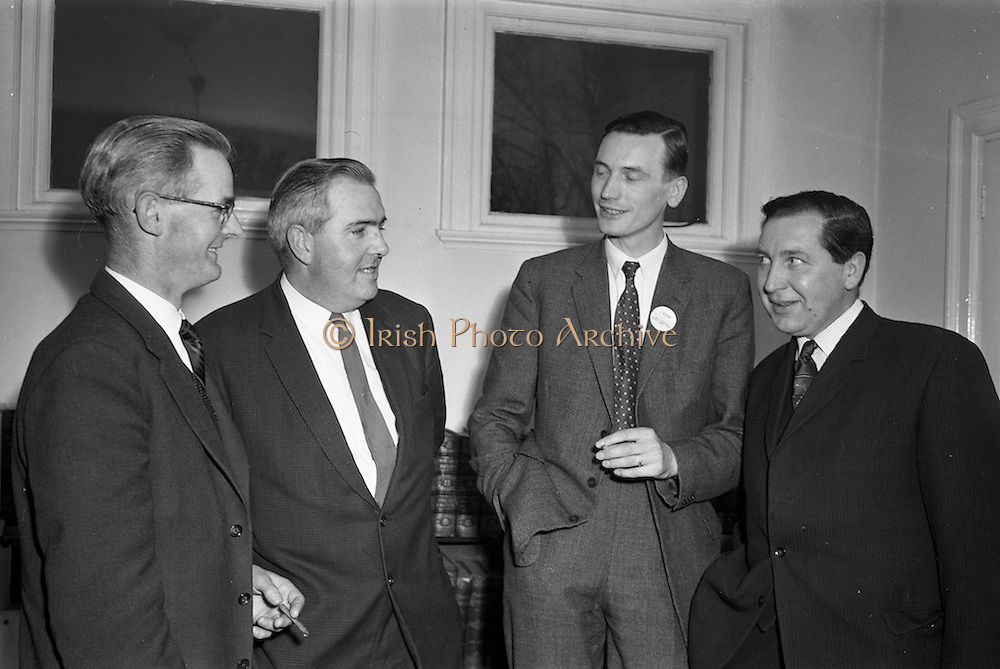 18/04/1963<br /> 04/18/1963<br /> 18 April 1963<br /> Closed circuit telephonic Pig Production meeting at the R.D.S., Dublin. Meetings on pig production were held simultaneously at the R.D.S. and Preston, Lancashire using closed circuit telephonic link. The meetings were sponsored by Smith, Kline and French Laboratories Ltd. and Goodbodys Ltd. Picture shows, Chatting before there meeting (l-r): Mr. W.E. Fletcher, M.R.C.V.S. speaker; Mr. W.R. Day, Department of Agriculture, who presided; J. Keough, Smith, Kline and French Laboratories Ltd and J. Joyce, Chairman, Rath Co-op, Co. Carlow.
