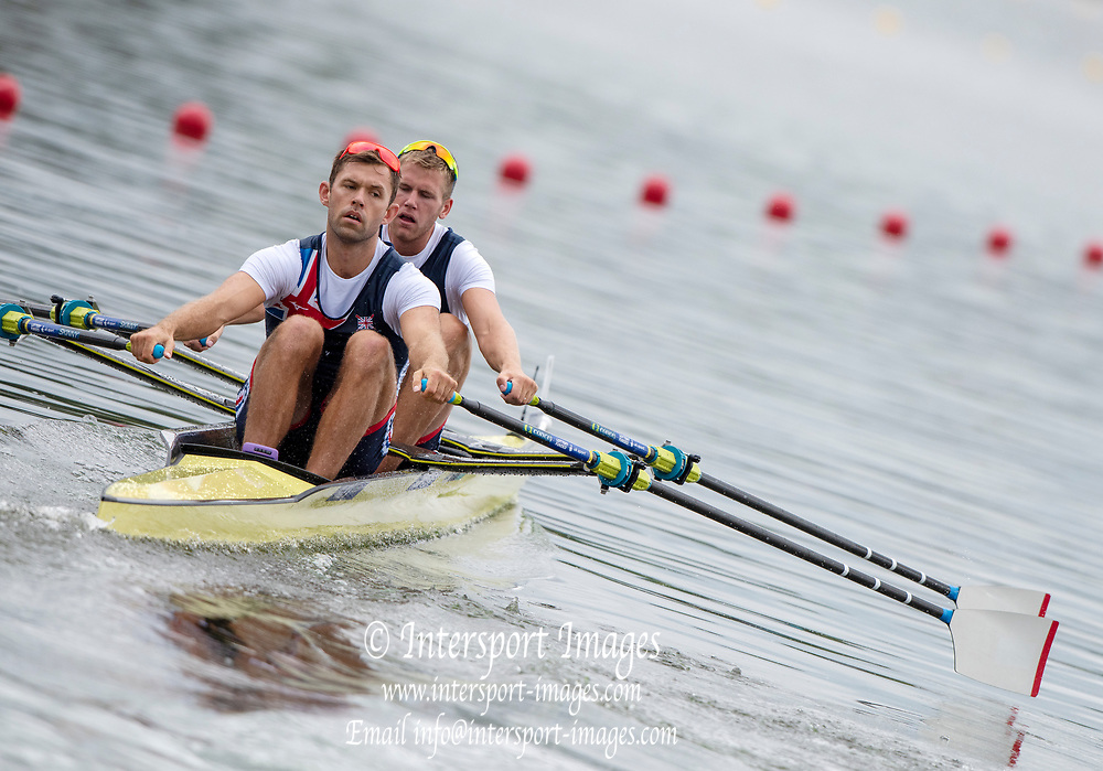 """Glasgow, Scotland, """"2nd August 2018"""", GBR M2X, <br /> Bow, Harry LEASK, and  Jack BEAUMONT move away from the start,in the""""Men's Double Sculls"""", European Games, Rowing, Strathclyde Park, North Lanarkshire, © Peter SPURRIER/Alamy Live News"""