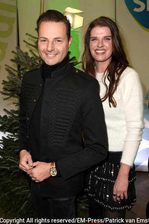 De 8e editie van Sky Radio&rsquo;s goede doelen-event Christmas Tree For Charity in The College Hotel, Amsterdam.<br /> <br /> Op de foto:  Stylistes Fred van Leer en Manon Meijers