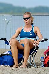 18-062005 BEACHVOLLEYBAL: NESSELANDE TOERNOOI: ROTTERDAM<br /> De zeer zonnige derde ronde van de Eredivisie Beach Volleyball op het strand aan de Zevenhuizerplas te Rotterdam-Nesselande leverde geen verrassingen op / <br /> Patricia Labee<br /> ©2005-WWW.FOTOHOOGENDOORN.NL