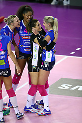 22-10-2016 ITA: Metalliche Montichiari - Igor Gorgonzola Novara, Montichiari<br /> Novara wint met 3-0 / Laura Dijkema #14, Celeste Plak #4, Judith Pietersen #8<br /> <br /> ***NETHERLANDS ONLY***