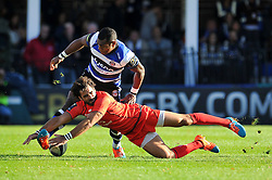 Semesa Rokoduguni of Bath Rugby and Yoann Huget of Toulouse compete for the ball - Photo mandatory by-line: Patrick Khachfe/JMP - Mobile: 07966 386802 25/10/2014 - SPORT - RUGBY UNION - Bath - The Recreation Ground - Bath Rugby v Toulouse - European Rugby Champions Cup