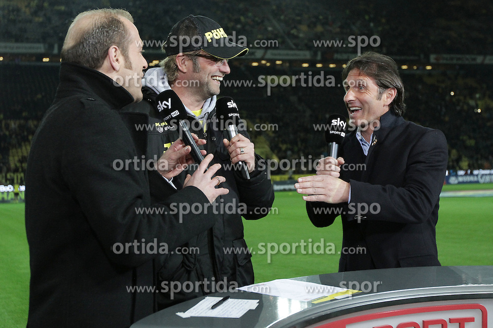 30.03.2012, Signal-Iduna-Park, Dortmund, GER, 1. FBL, Borussia Dortmund vs VfB Stuttgart, 28. Spieltag, im Bild im Sky-Interview Trainer Juergen Klopp (Borussia Dortmund, mitte) und Trainer Bruno Labbadia (VfB Stuttgart, re.), Freisteller // during the German Bundesliga Match, 28th Round between Borussia Dortmund and VfB Stuttgart at the Signal Iduna Park Stadium, Dortmund, Germany on 2012/03/30. EXPA Pictures © 2012, PhotoCredit: EXPA/ Eibner/ Oliver Vogler..***** ATTENTION - OUT OF GER *****