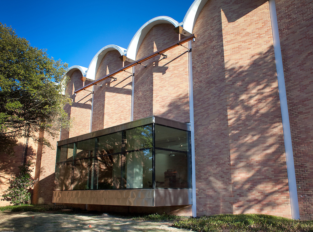 Expanded gallery space for UT Visual Art Center