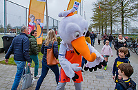 BERKEL EN RODENRIJS  - Bij Hockeyclub HCBR waren de  internationals Jorrit Croon, Justen Blok en Stockey  voor de Pro League on Tour.  Met de rijdende Rabobank tribune .    COPYRIGHT KOEN SUYK