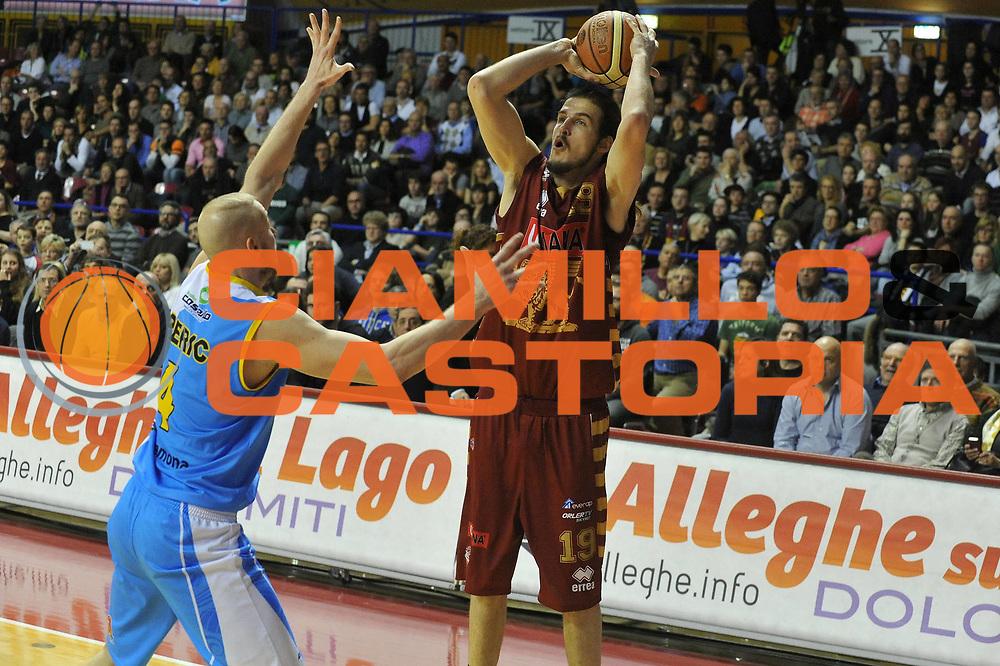 DESCRIZIONE : Venezia Lega A 2012-13 Umana Venezia Vanoli Cremona<br /> GIOCATORE : jiri hubalek<br /> CATEGORIA : tiro<br /> SQUADRA : Umana Venezia  Vanoli Cremona<br /> EVENTO : Campionato Lega A 2012-2013 <br /> GARA : Umana Venezia Vanoli Cremona<br /> DATA : 01/04/2013<br /> SPORT : Pallacanestro <br /> AUTORE : Agenzia Ciamillo-Castoria/M.Gregolin<br /> Galleria : Lega Basket A 2012-2013  <br /> Fotonotizia : Venezia Lega A 2012-13 Umana Venezia  Vanoli Cremona<br /> Predefinita :