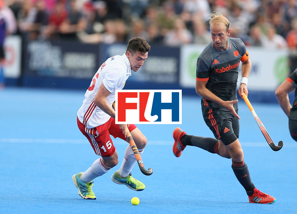 LONDON, ENGLAND - JUNE 24: Phil Roper of England runs with the ball during the semi-final match between England and the Netherlands on day eight of the Hero Hockey World League Semi-Final at Lee Valley Hockey and Tennis Centre on June 24, 2017 in London, England. (Photo by Steve Bardens/Getty Images)