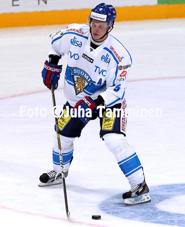10.11.2011, Hartwall-Areena, Helsinki, Finland..Euro Hockey Tour - Karjala-turnaus 2011. Suomi - Venj / Finland v Russia..Lasse Kukkonen - Suomi..