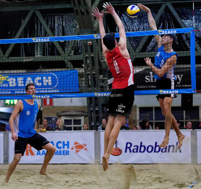04-01-2020 NED: NK Beach volleyball Indoor, Aalsmeer<br /> Christiaan Varenhorst, Steven van de Velde