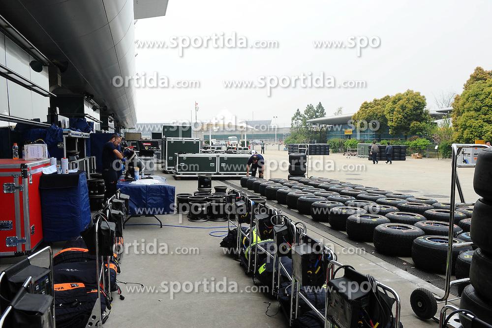 16.04.2011, Shanghai-International-Circuit, Schanghai, CHN, Großer Preis von China / Schanghai 2011, RACE 03 Vorbericht, im Bild  Scuderia Toro Rosso    EXPA Pictures © 2011, PhotoCredit: EXPA/ nph/  Dieter Mathis (bitte als Fotovermerk angeben)       ****** only for AUT & SLO ******