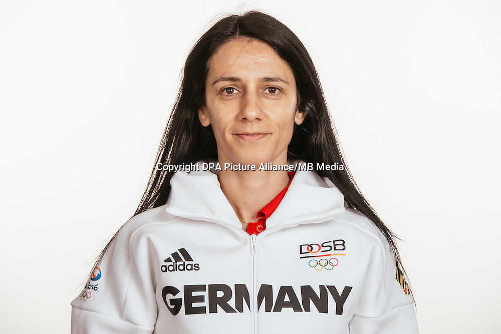 Ekaterina Dulamova poses at a photocall during the preparations for the Olympic Games in Rio at the Emmich Cambrai Barracks in Hanover, Germany, taken on 15/07/16 | usage worldwide