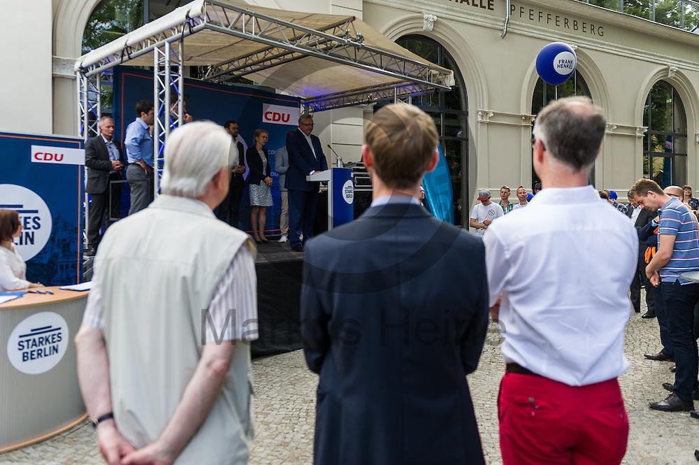 Der Senator f&uuml;r Inneres und Sport Frank Henkel (CDU) h&auml;lt w&auml;hrend des CDU Sommerfest am 30.06.2016 in Berlin, Deutschland eine Rede. Foto: Markus Heine / heineimaging<br /> <br /> ------------------------------<br /> <br /> Ver&ouml;ffentlichung nur mit Fotografennennung, sowie gegen Honorar und Belegexemplar.<br /> <br /> Bankverbindung:<br /> IBAN: DE65660908000004437497<br /> BIC CODE: GENODE61BBB<br /> Badische Beamten Bank Karlsruhe<br /> <br /> USt-IdNr: DE291853306<br /> <br /> Please note:<br /> All rights reserved! Don't publish without copyright!<br /> <br /> Stand: 06.2016<br /> <br /> ------------------------------w&auml;hrend des Sommerfest der CDU Pankow am 30.06.2016 in Berlin, Deutschland. Foto: Markus Heine / heineimaging<br /> <br /> ------------------------------<br /> <br /> Ver&ouml;ffentlichung nur mit Fotografennennung, sowie gegen Honorar und Belegexemplar.<br /> <br /> Bankverbindung:<br /> IBAN: DE65660908000004437497<br /> BIC CODE: GENODE61BBB<br /> Badische Beamten Bank Karlsruhe<br /> <br /> USt-IdNr: DE291853306<br /> <br /> Please note:<br /> All rights reserved! Don't publish without copyright!<br /> <br /> Stand: 06.2016<br /> <br /> ------------------------------