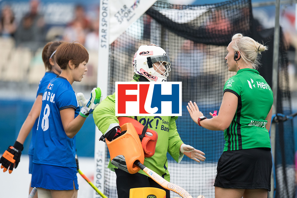 AUCKLAND - Sentinel Hockey World League final women<br /> Match id: 10299<br /> 09 NED v KOR (Pool A)<br /> Foto:  Yesol Cha discusion with gthe umpire.<br /> WORLDSPORTPICS COPYRIGHT FRANK UIJLENBROEK