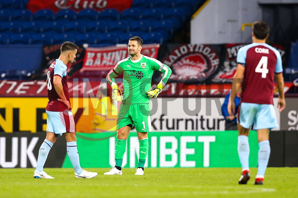 Thomas Heaton of Burnley cuts a frustrated figure along with teammates - Mandatory by-line: Robbie Stephenson/JMP - 30/08/2018 - FOOTBALL - Turf Moor - Burnley, England - Burnley v Olympiakos - UEFA Europa League Play-offs second leg