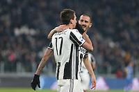 25.02.2017 - Torino - Serie A 2016/17 - 26a giornata  -  Juventus-Empoli nella  foto: Mario Mandzukic  abbracciato da Bonucci dopo il gol