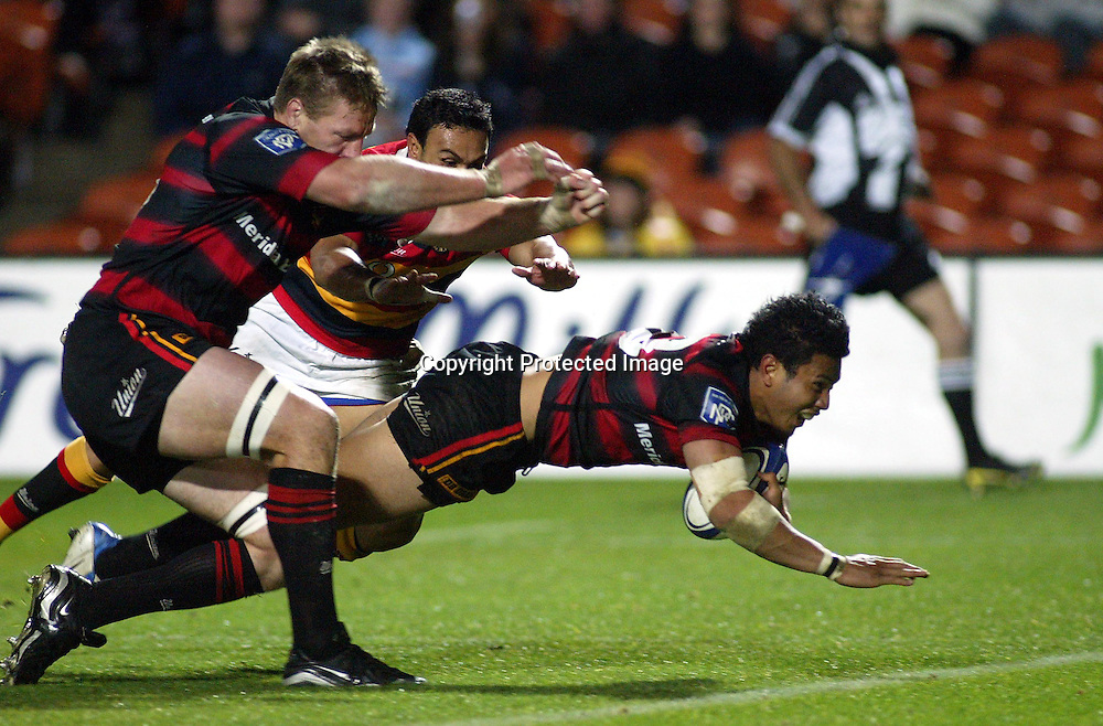 Casey Laulala scores for Canterbury.<br />