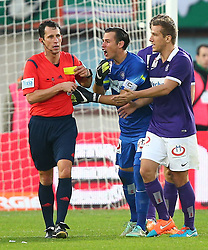 09.11.2014, Ernst Happel Stadion, Wien, AUT, 1. FBL, SK Rapid Wien vs FK Austria Wien, 15. Runde, im Bild Alexander Harkam (Referee, Schiedsrichter), Heinz Lindner (FK Austria Wien) und Mario Leitgeb (FK Austria Wien) // during a Austrian Football Bundesliga Match, 15th Round, between SK Rapid Vienna and FK Austria Vienna at the Ernst Happel Stadion, Wien, Austria on 2014/11/09. EXPA Pictures © 2014, PhotoCredit: EXPA/ Thomas Haumer